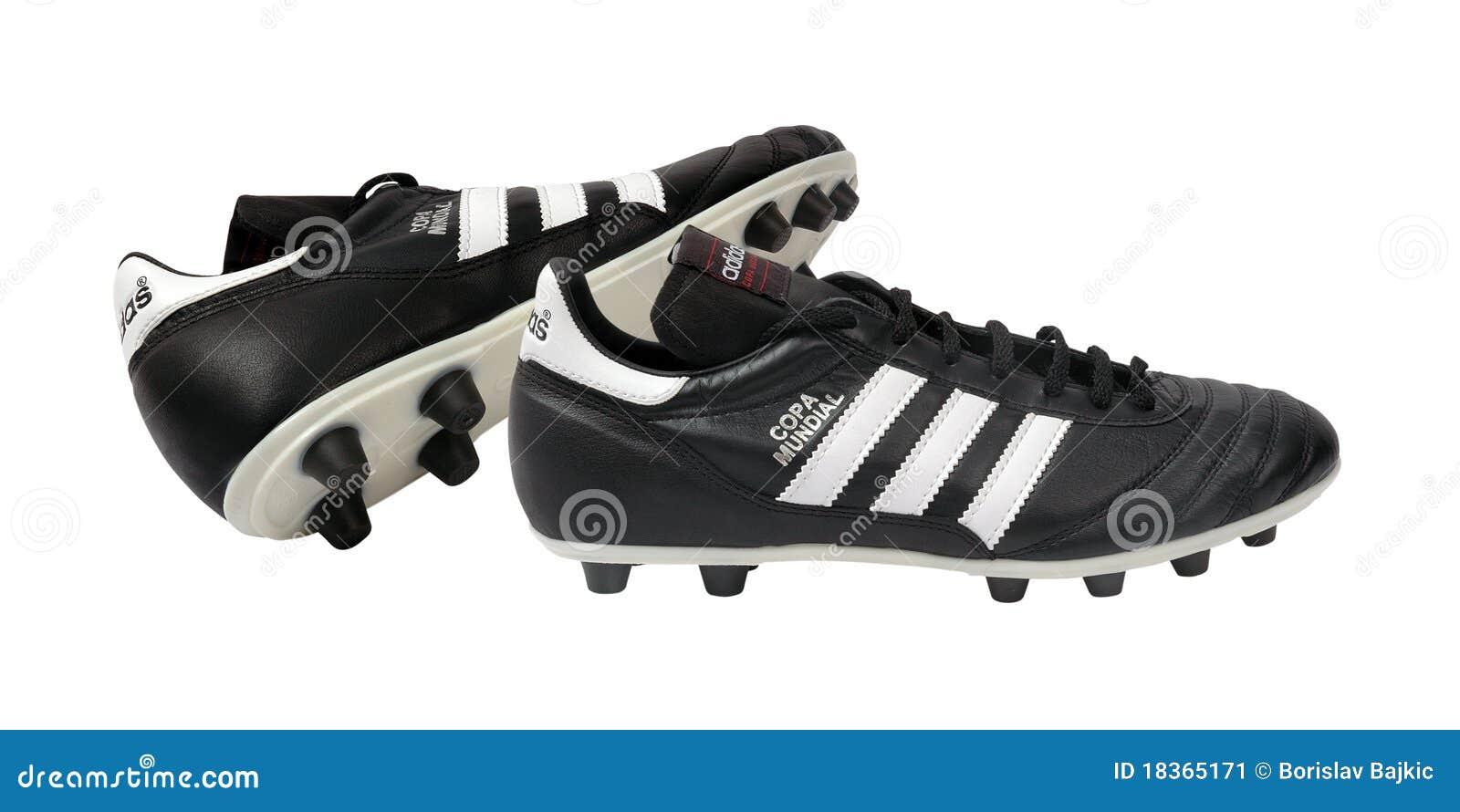 Zapatos Del Balompié De Adidas Foto editorial Imagen de