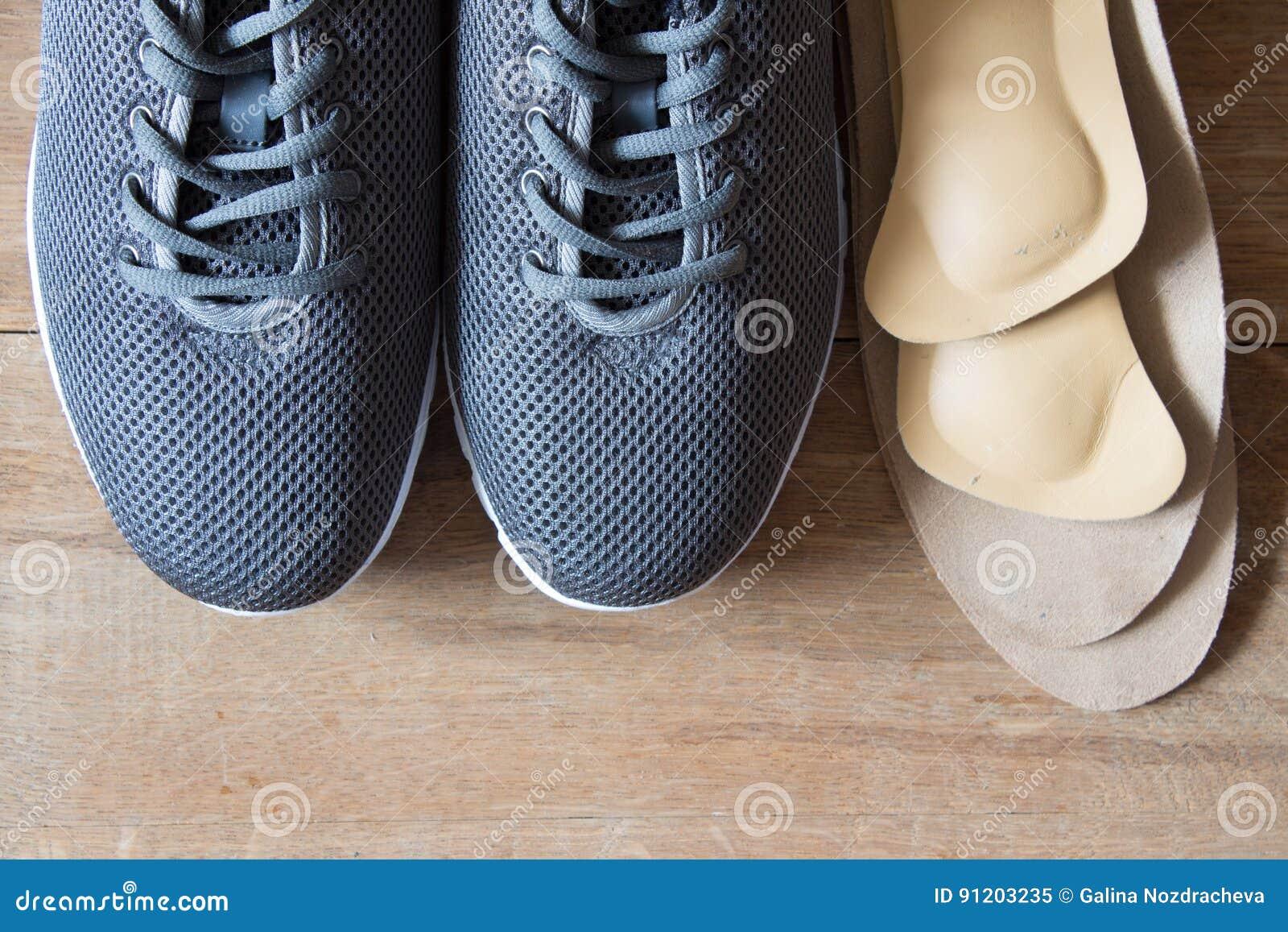 Pares Plantillas Deporte Del Grises Ortopédicas De Zapatos Con Las kiuPXZO