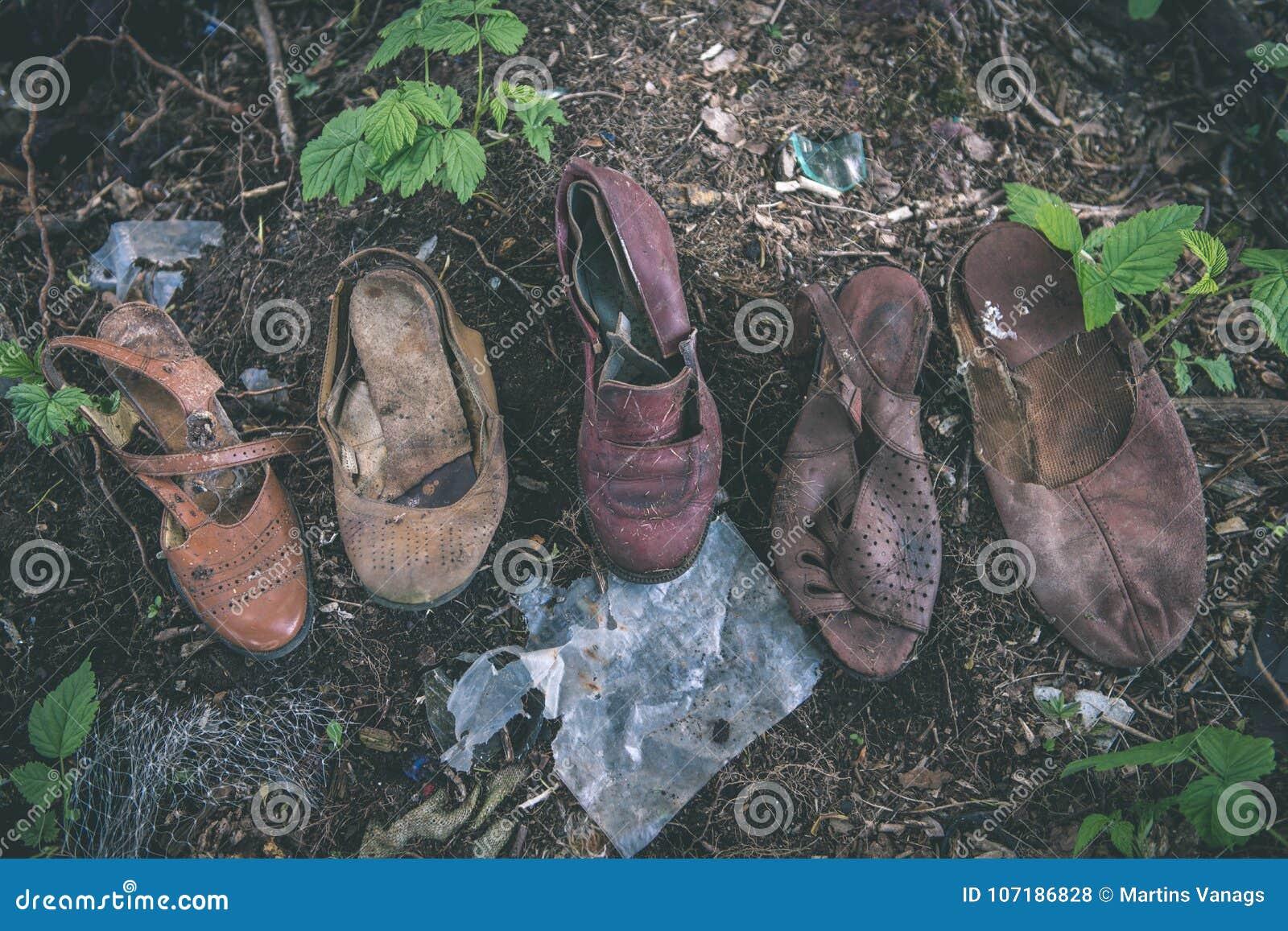 De El Película En Contenedor Zapatos Vintage Viejos Del La Efecto gXHwnZq
