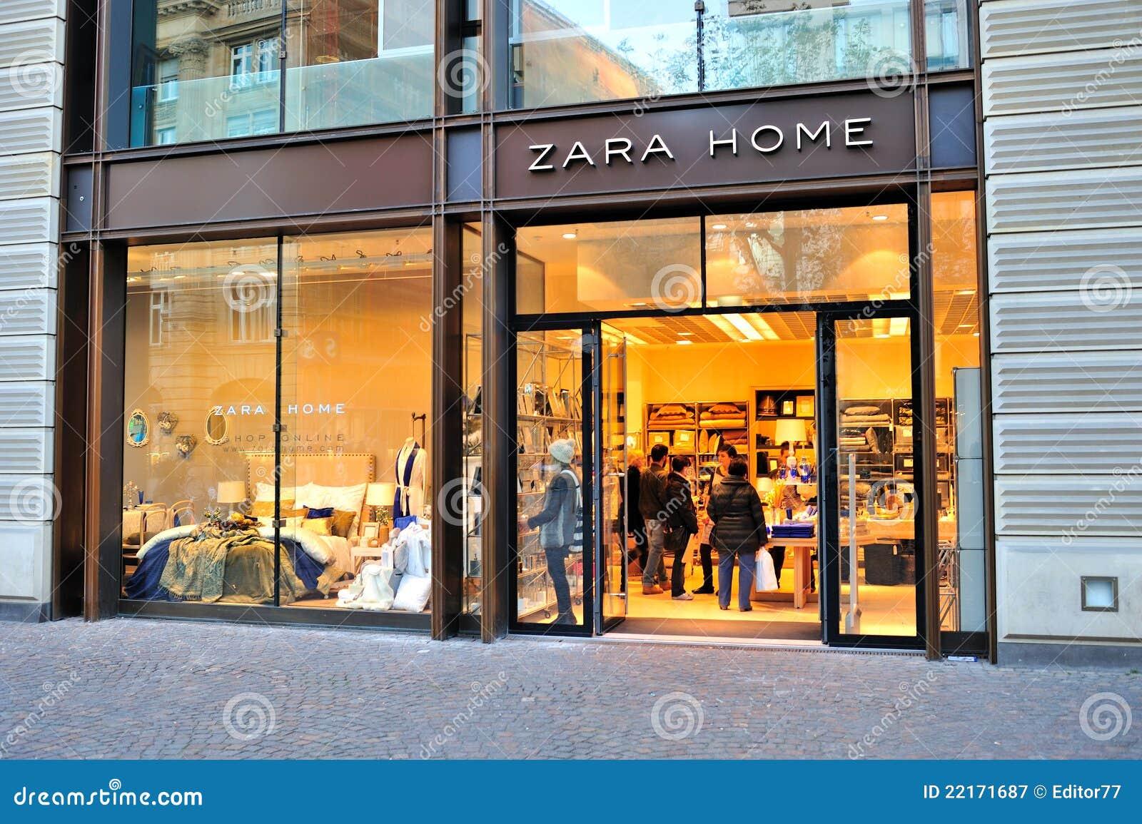 Zara Ausgangsspeicher Redaktionelles Stockfotografie Bild Von