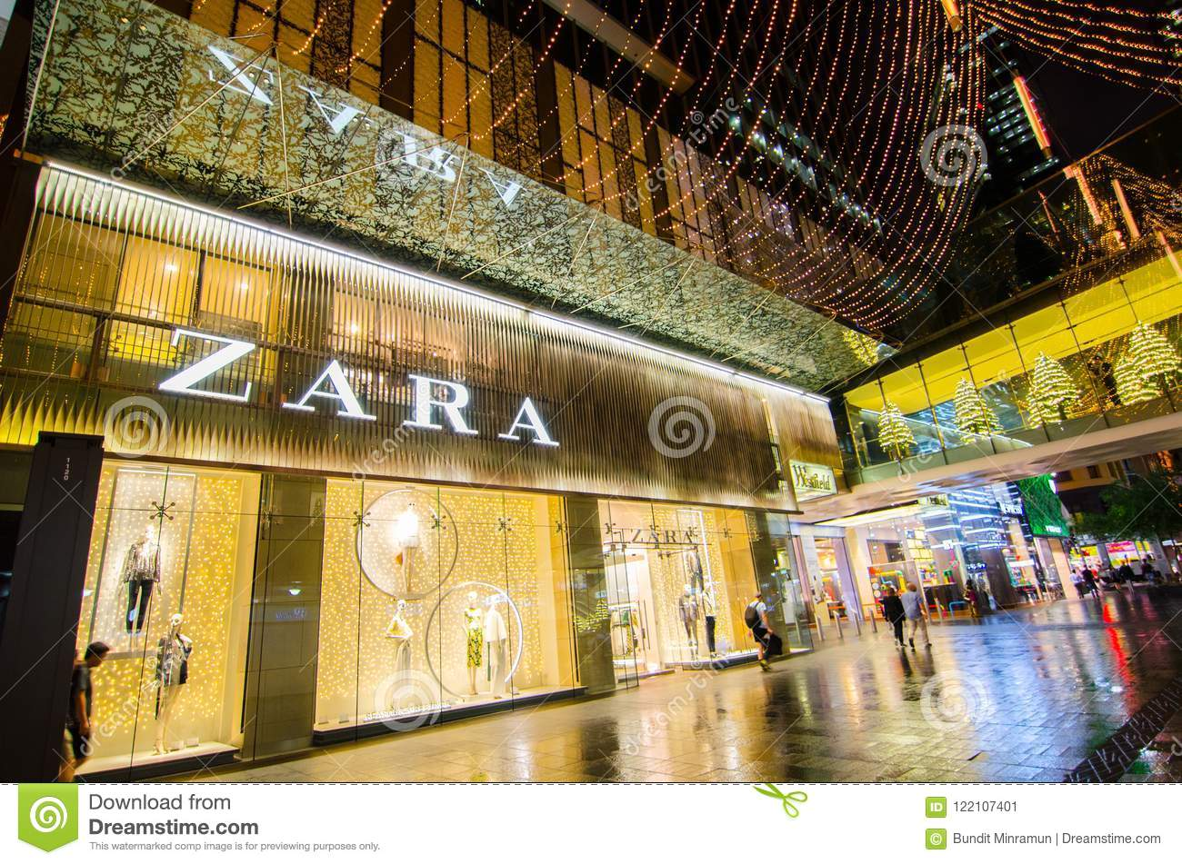 Zara Fashion Clothing And Accessories Retail Store 08aab07d90