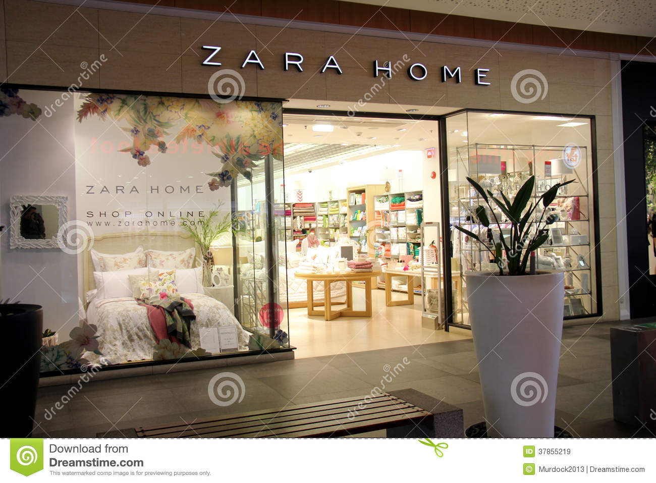 zara shop on the street passeig de gracia in barcelona editorial image 73044556. Black Bedroom Furniture Sets. Home Design Ideas