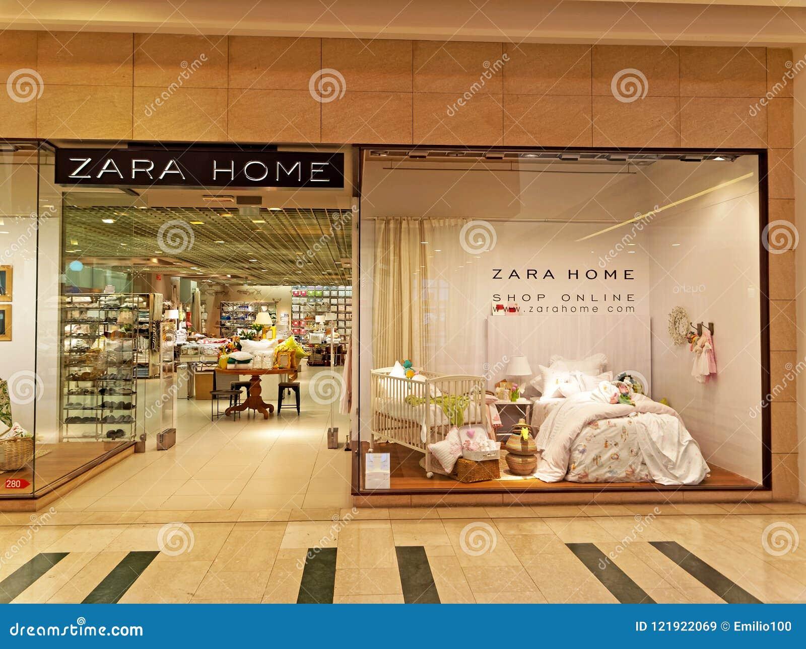 newest 941f2 4b350 Zara Home Store A Roma, Italia Immagine Stock Editoriale ...
