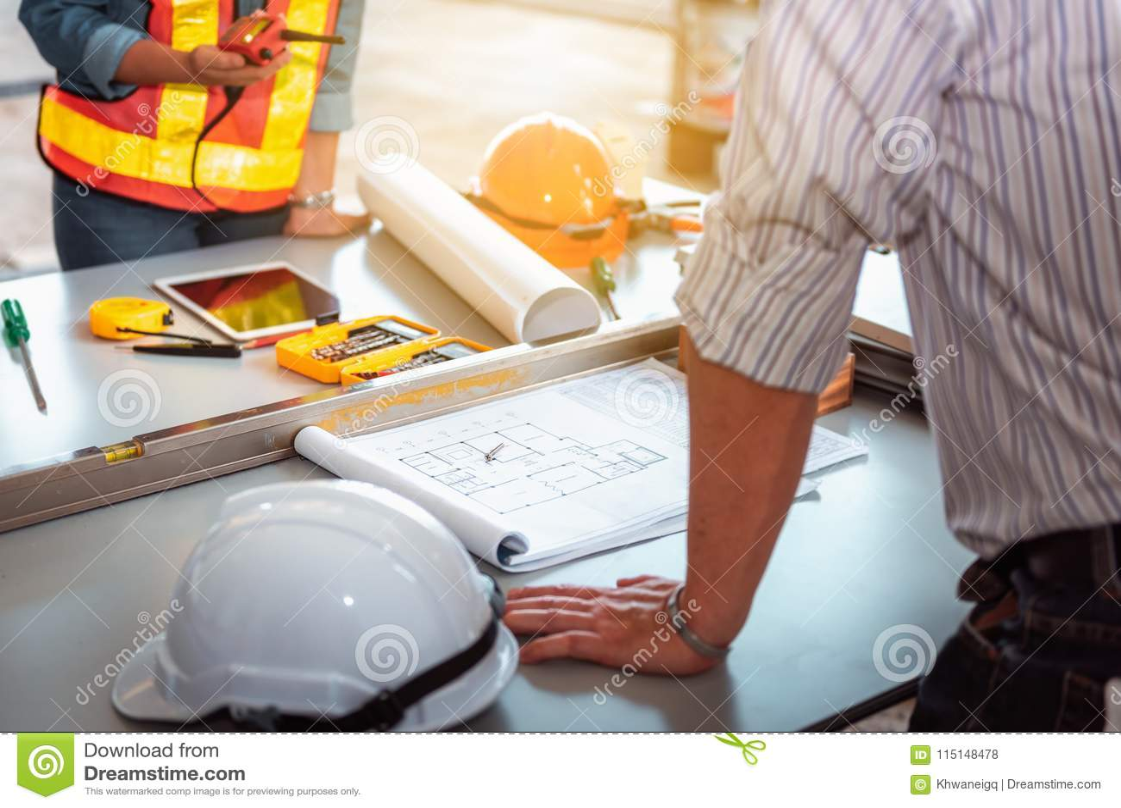 Zarządzanie projektem drużyna hebluje dla n inżyniery i achitects