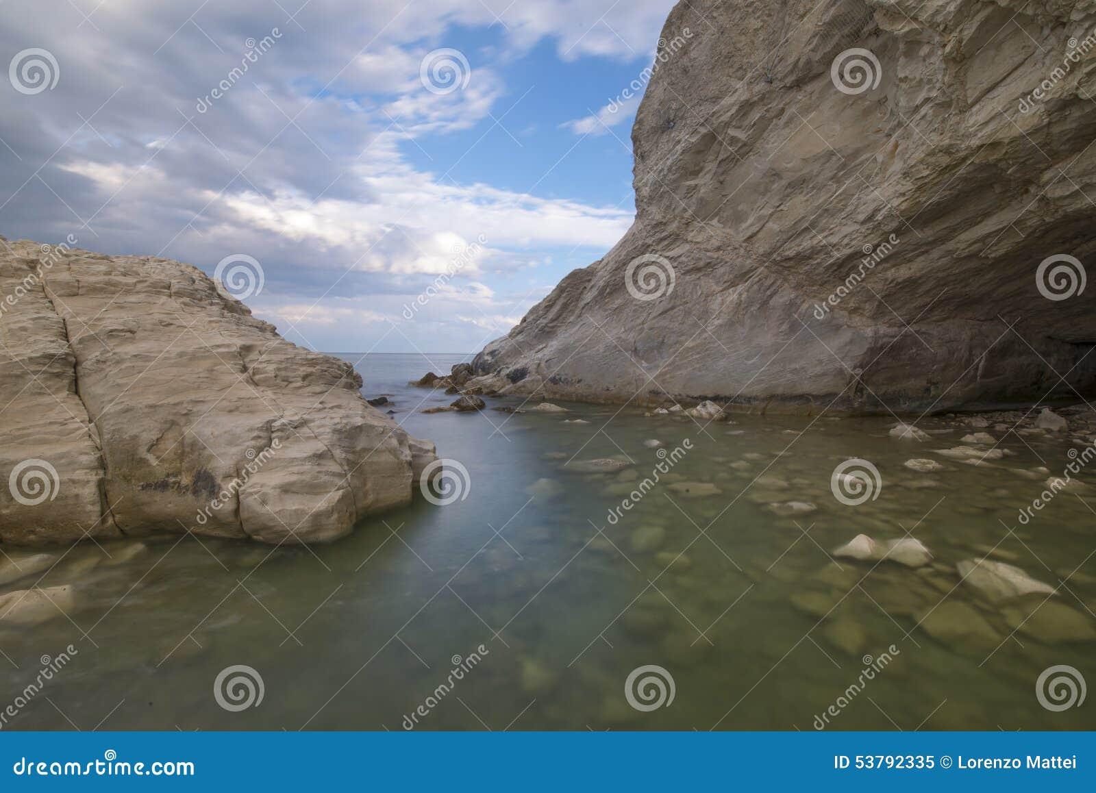 Zawala się na morzu, Conero, Marche, Italy