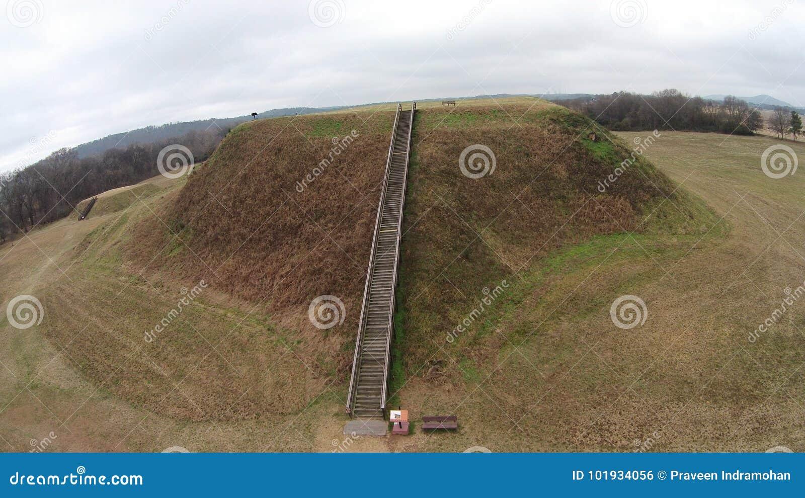 Zawodnik bez szans kopa b Etowah Indiańskich kopów Historyczny miejsce