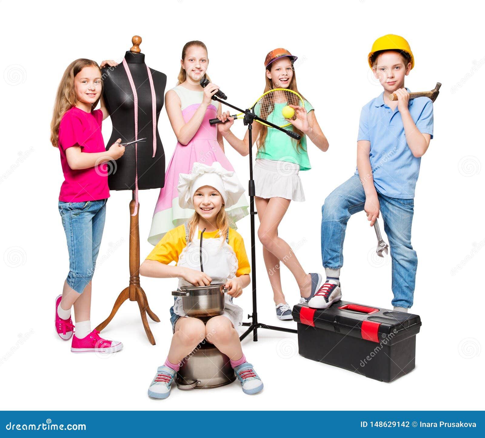Zawodu i pracy zajęcie, dziecko grupa w Fachowych kostiumach, dzieciaki na bielu