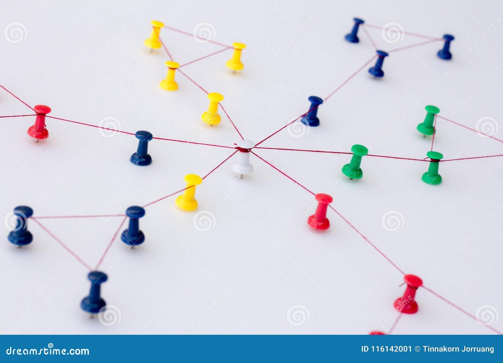 Zazębianie jednostki Networking, ogólnospołeczni środki, internet komunikaci abstrakt
