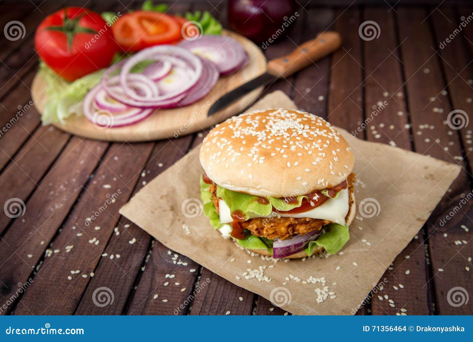 Zbliżenie domowej roboty hamburgery