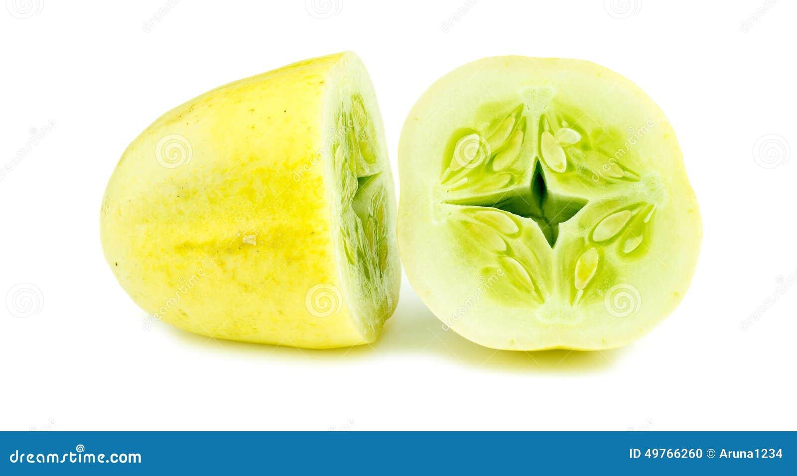 Zbliżenie makro- rżnięty jabłczany krystaliczny ogórek