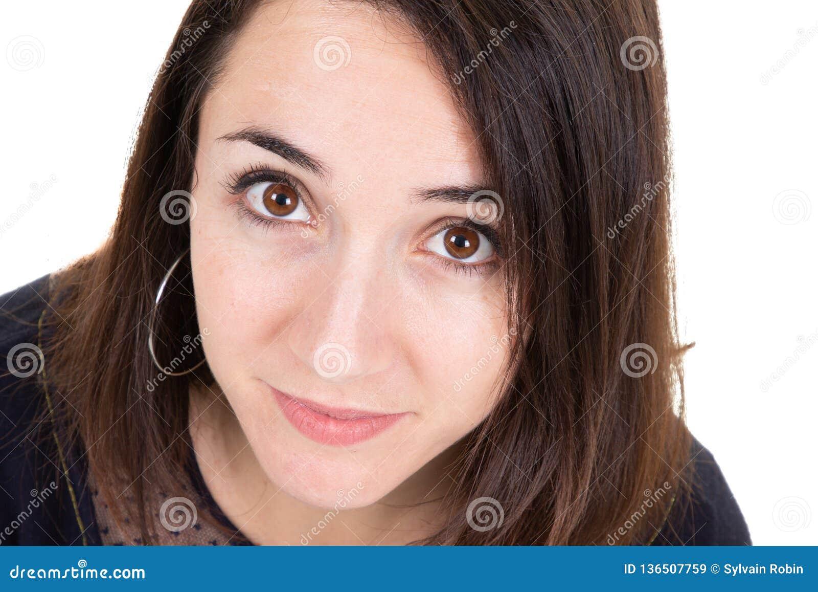 Zbliżenie portreta młodej kobiety twarzy dosyć śliczny piękno