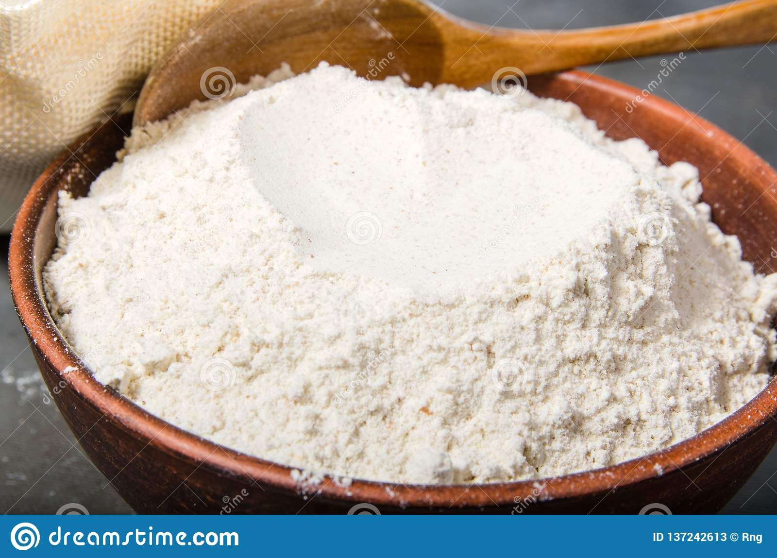 Zboże mąka w pucharze