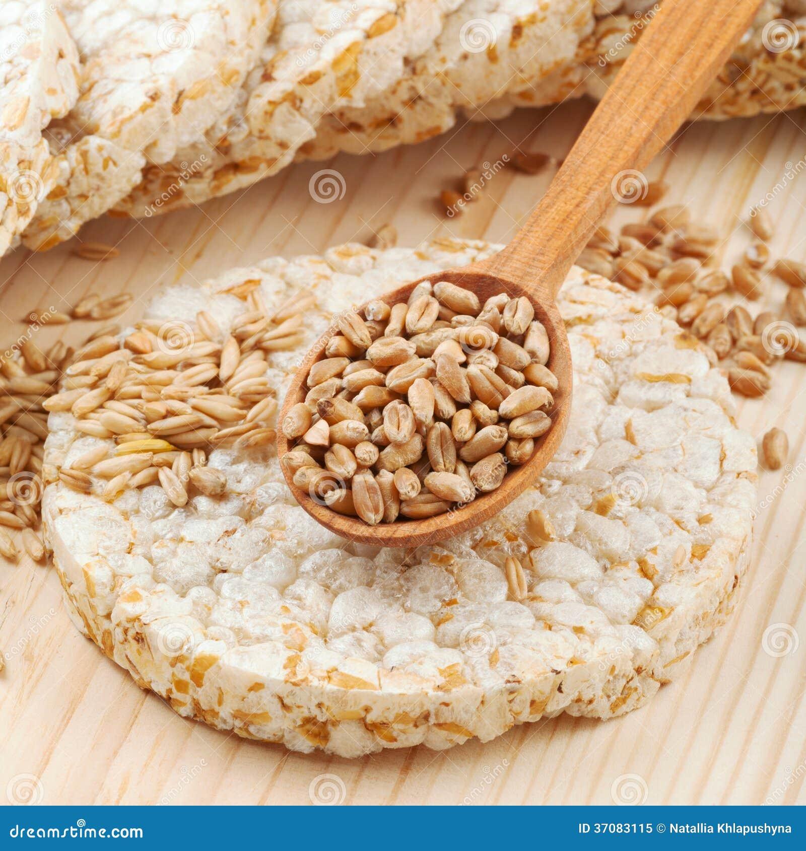 Download Zbożowy Crispbread krakers obraz stock. Obraz złożonej z chips - 37083115