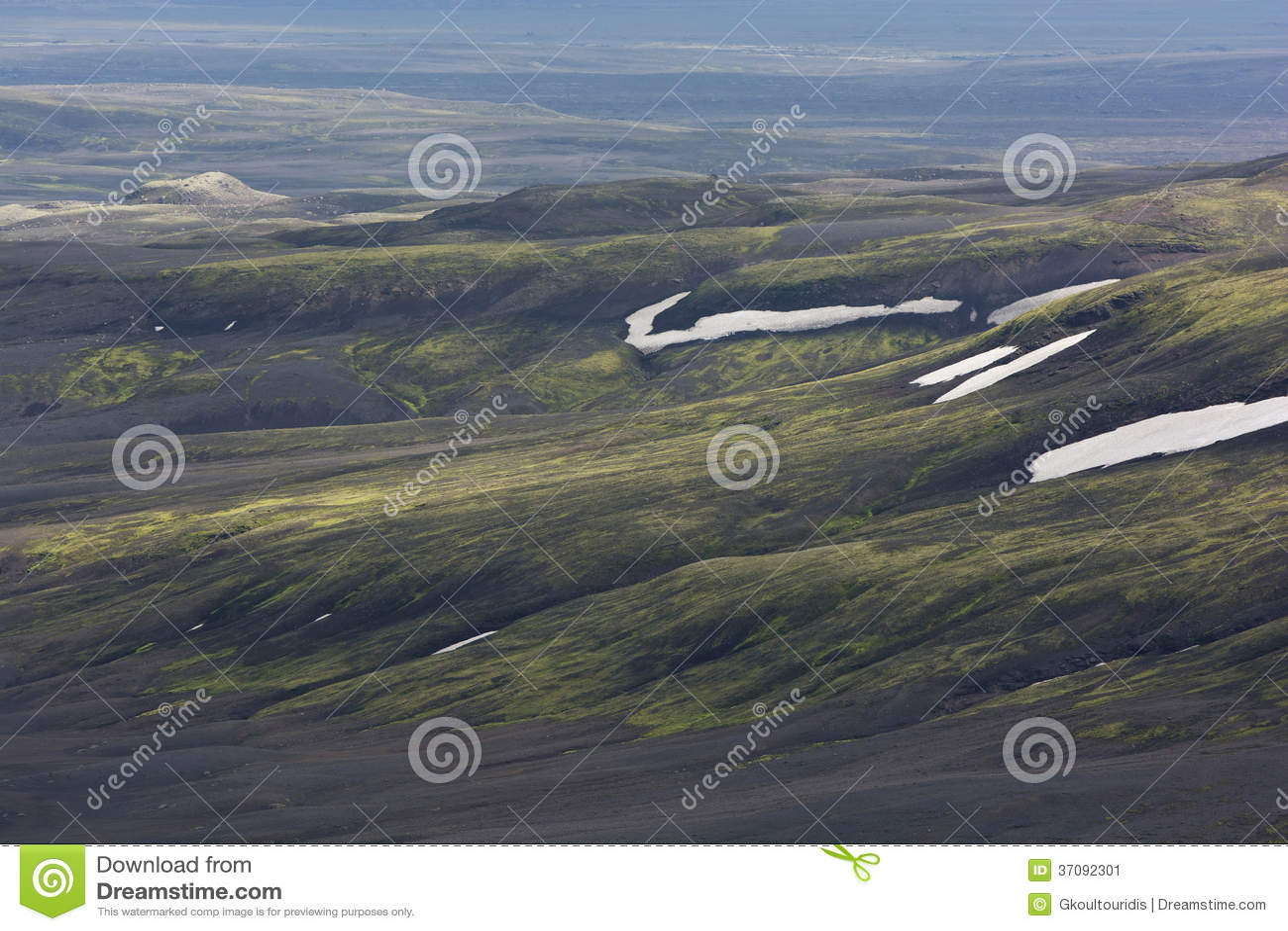 Download Zbocze Zakrywający Z Mech, śnieżnego I Powulkanicznego Popiółem, Iceland Obraz Stock - Obraz złożonej z wzgórze, magma: 37092301