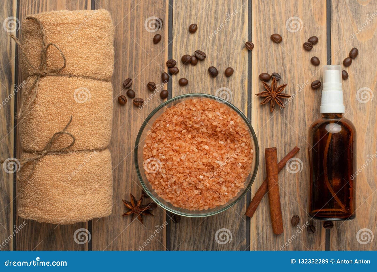 Zdrojów akcesoria na drewnianym tle zdolność używać jako tło