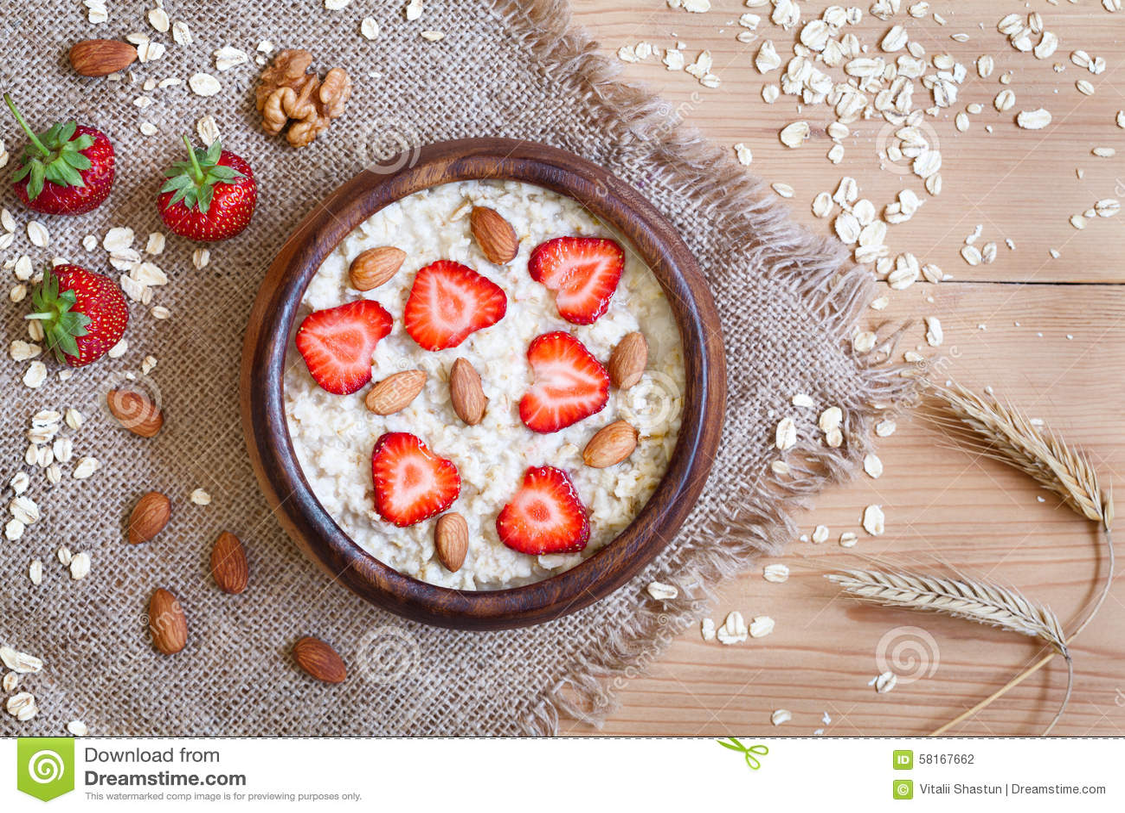 Zdrowy śniadaniowy oatmeal owsianki diety nutririon