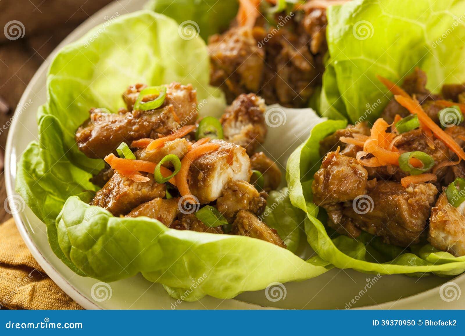 Zdrowy Azjatycki kurczak sałaty opakunek