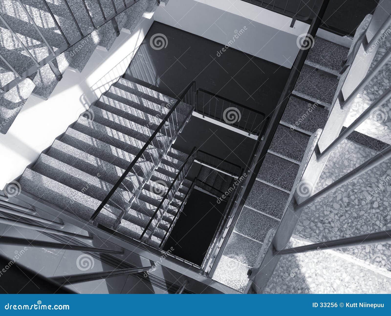Download Ze schodów zdjęcie stock. Obraz złożonej z budynek, nowożytny - 33256