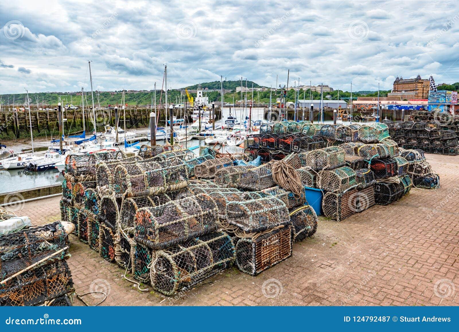 Zeekreeftpotten bij Scarborough-Haven, Yorkshire, Engeland