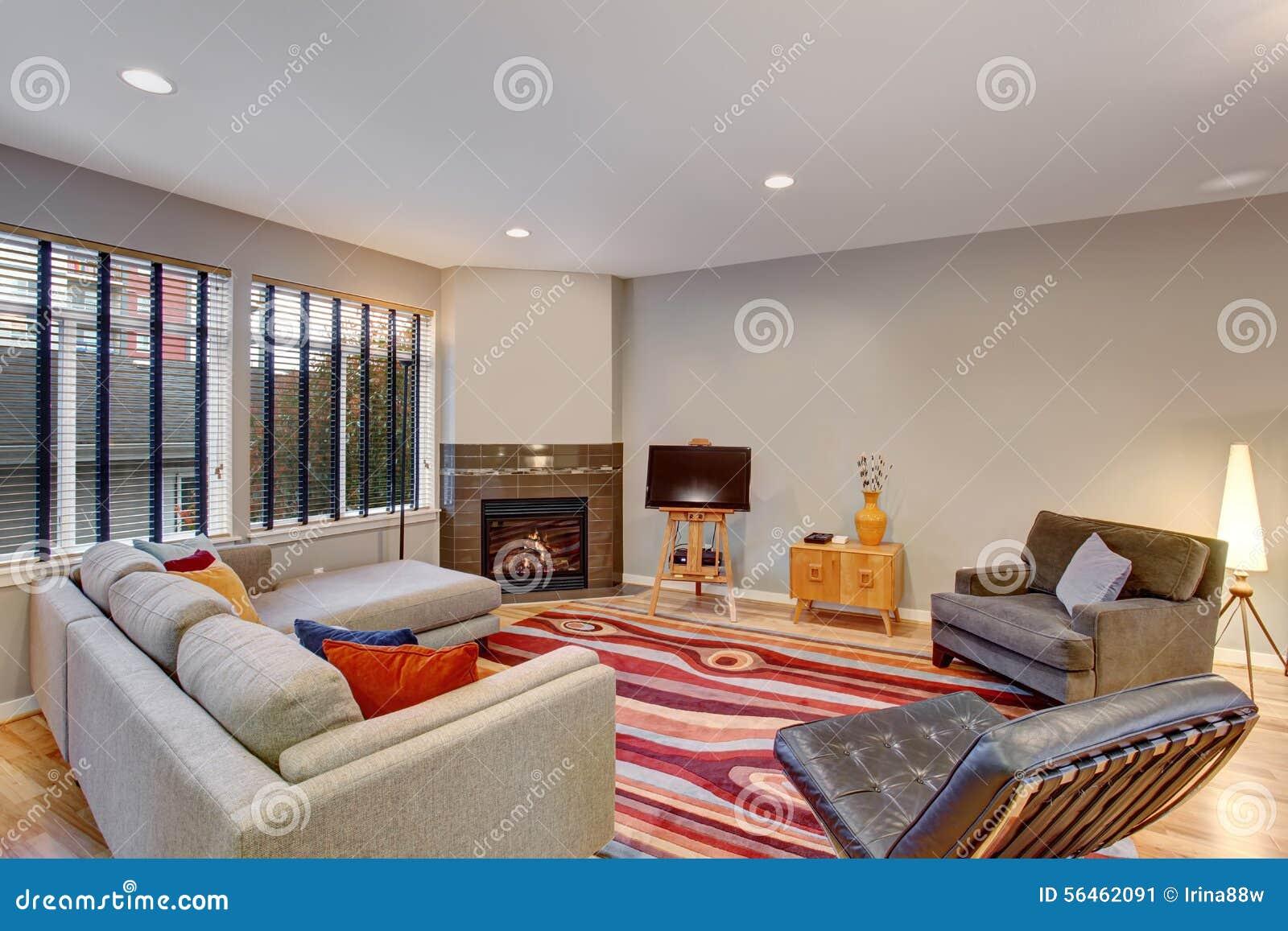 Kleur Veel Kleur : Zeer moderne artistieke woonkamer met veel kleur stock afbeelding