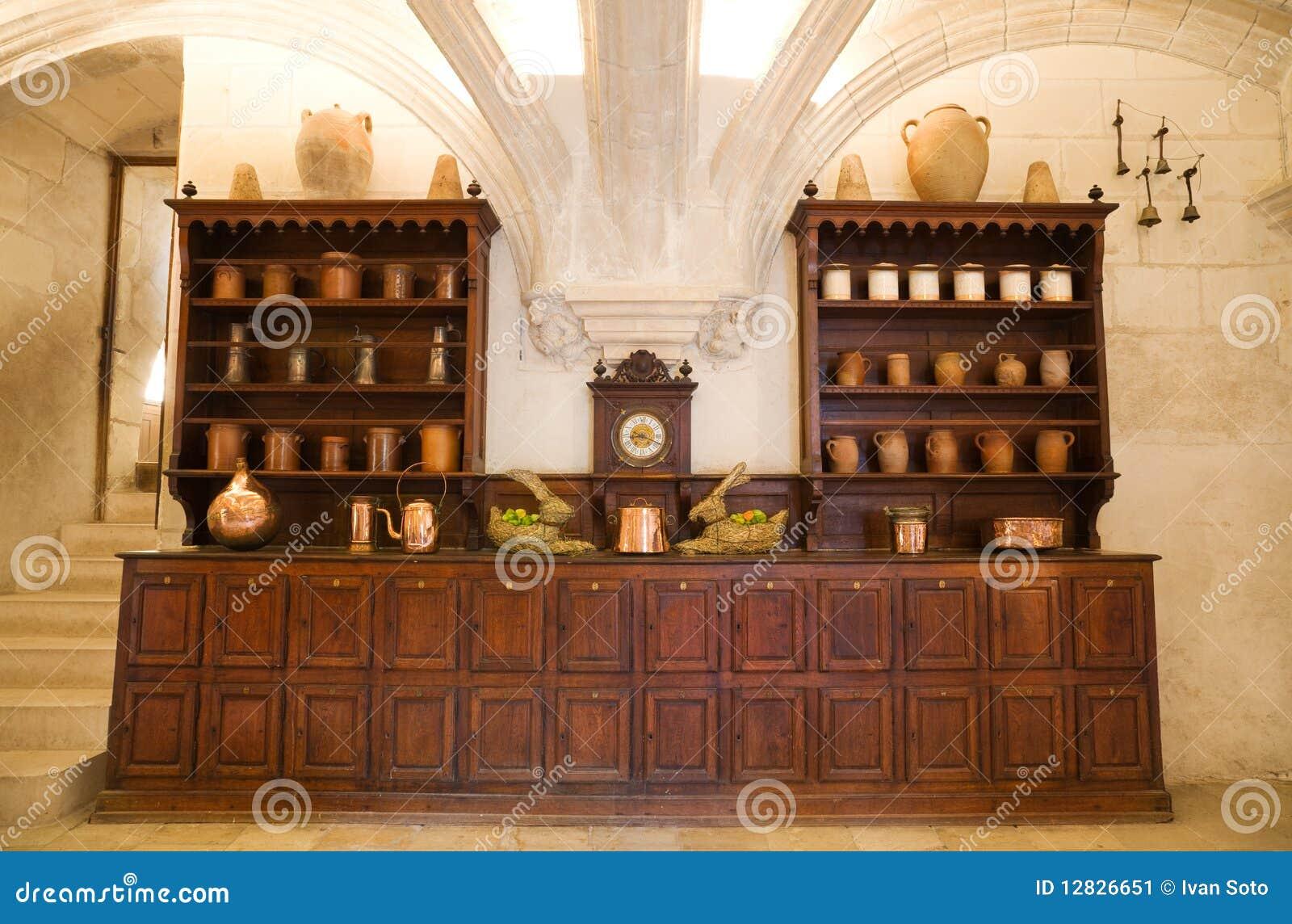 Zeer oude keuken stock afbeelding afbeelding bestaande uit antiquiteit 12826651 - Oude foto keuken ...