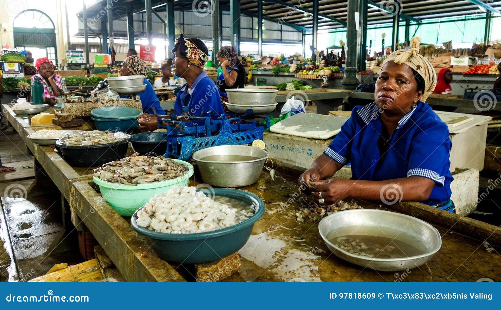 Zeevruchten voor verkoop in Maputo, Mozambique