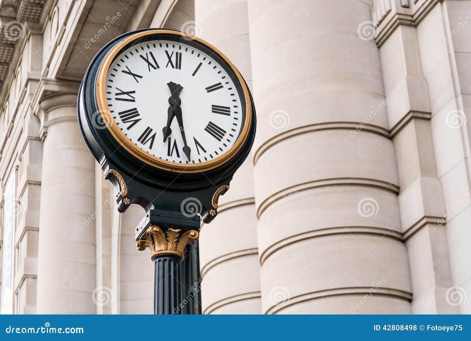 Zegar przy Historyczną zjednoczenie stacją Kansas City Missouri