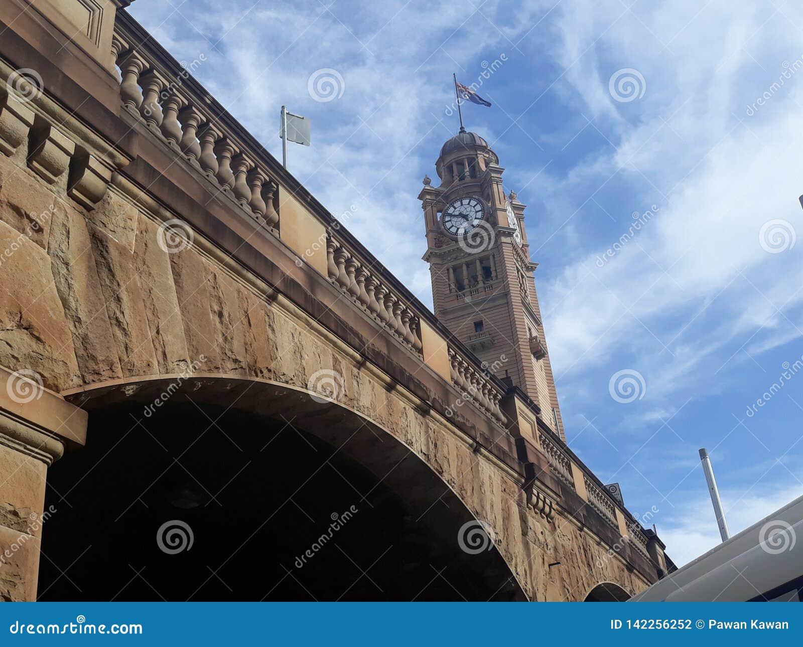 Zegar przy Sydney, Australia Ja jest pobliskim Środkowym dworcem