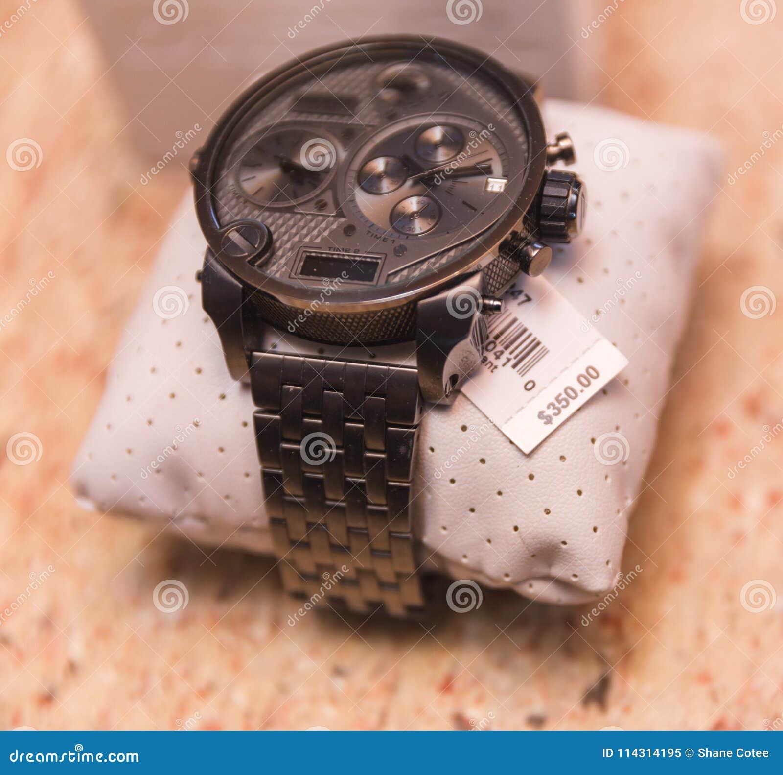Zegarek z metką