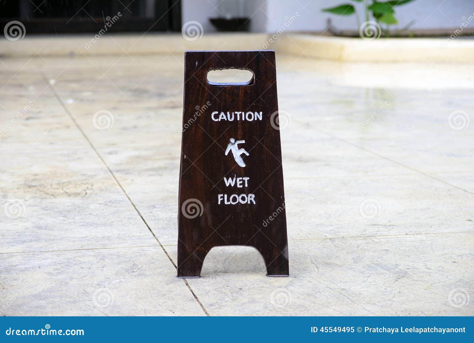 Zeichenwarnung des nassen Bodens der Vorsicht