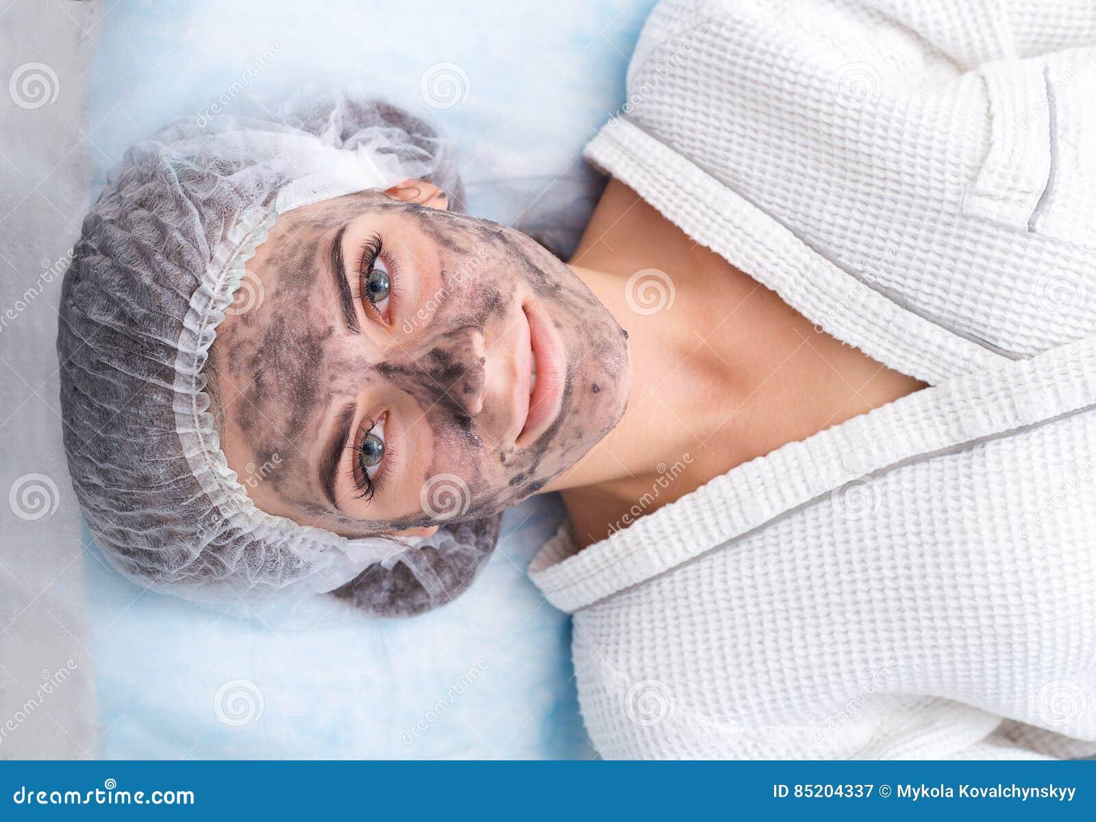 Zeichnen Einer Schwarzen Maske Stockbild - Bild von erwachsener ...