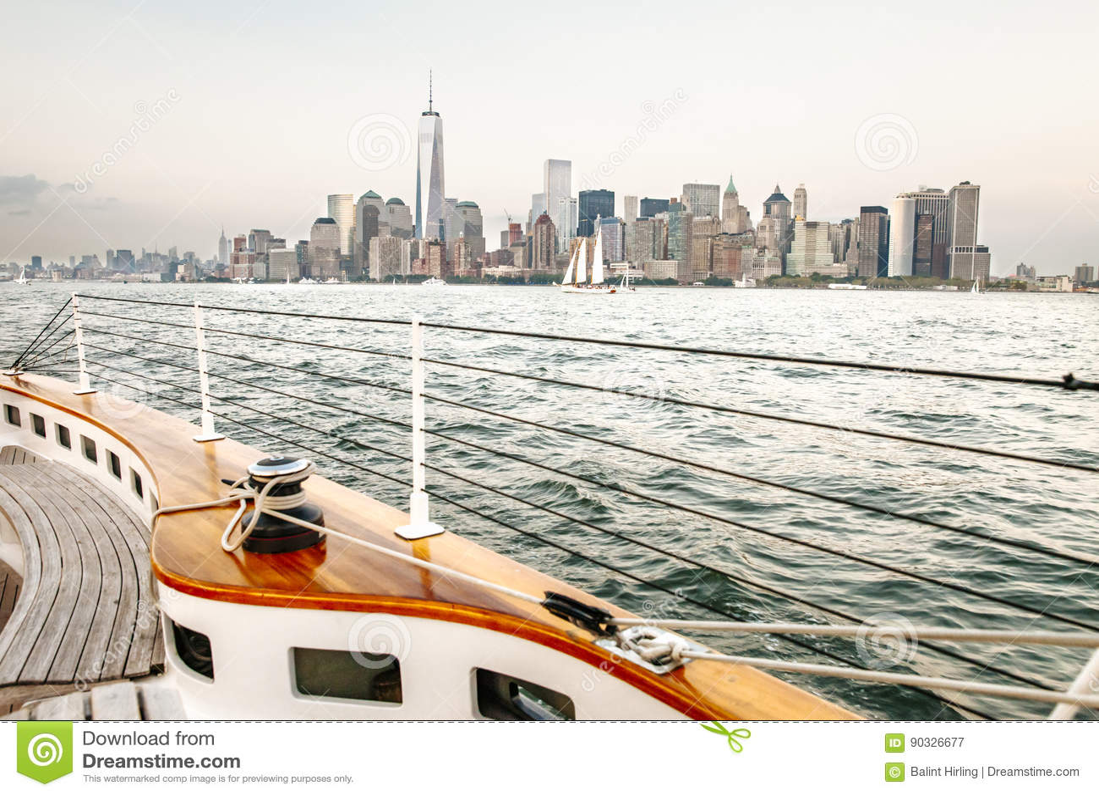 Zeilboot op de rivier Hudson - Manhattan