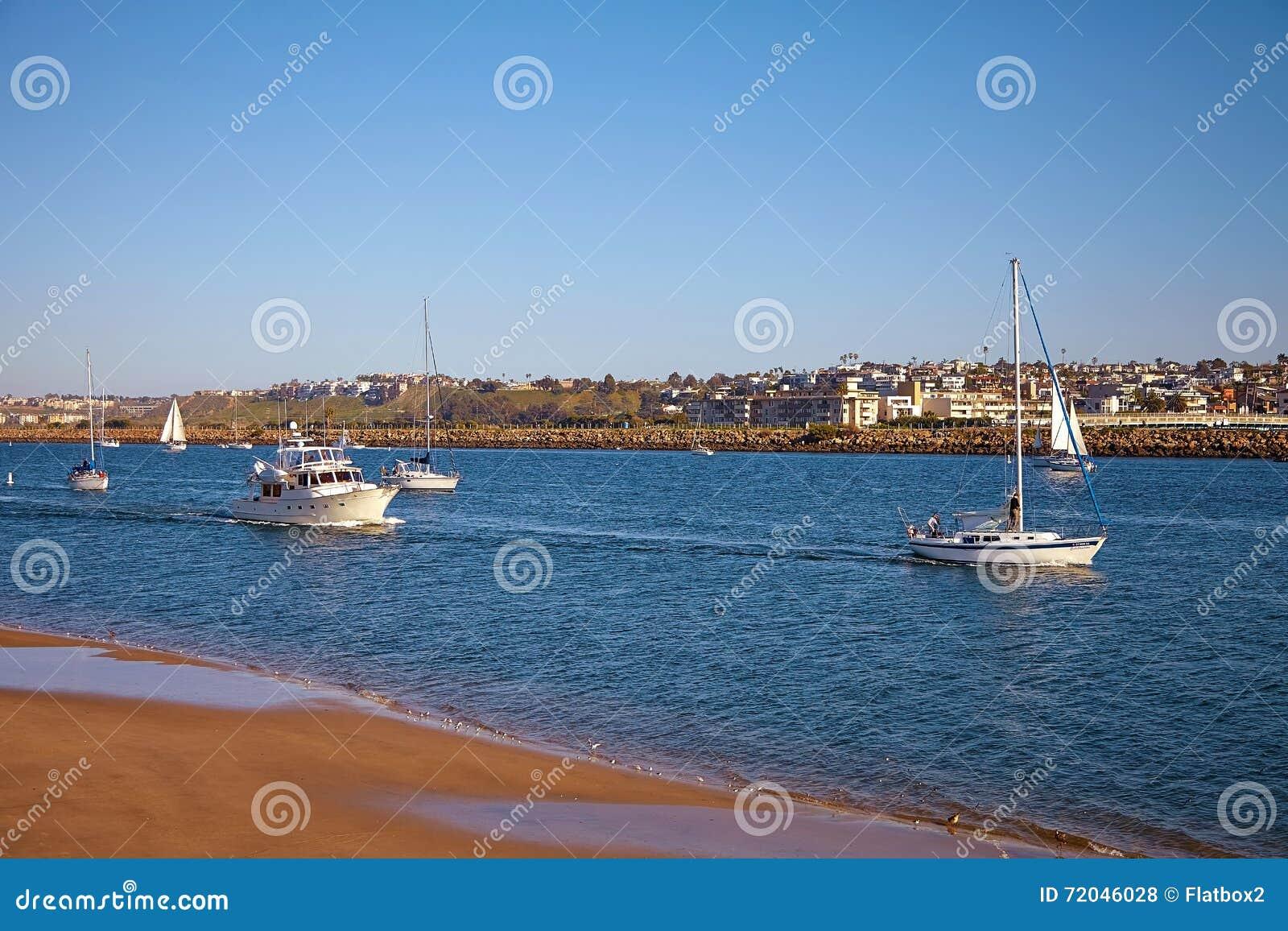 Zeilboten terug naar Marina Del Rey in Californië