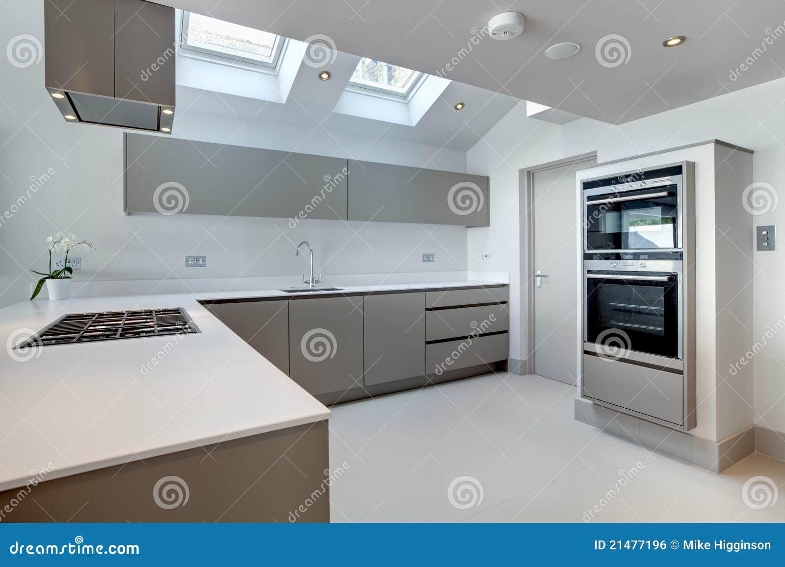 Zeitgenössische Moderne Küche Stockfoto - Bild von zeitgenössisch ...