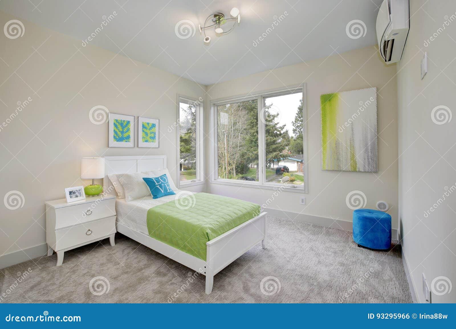 Zeitgenössisches Blaues Und Grünes Kind-` S Schlafzimmer Stockfoto ...