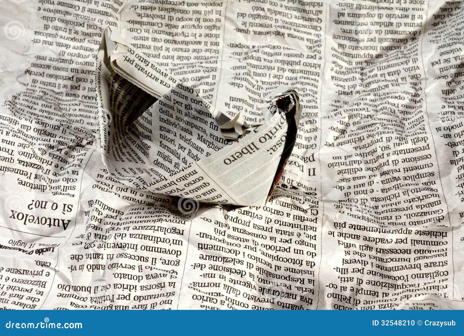 Zeitungs-Boot auf den Nachrichten