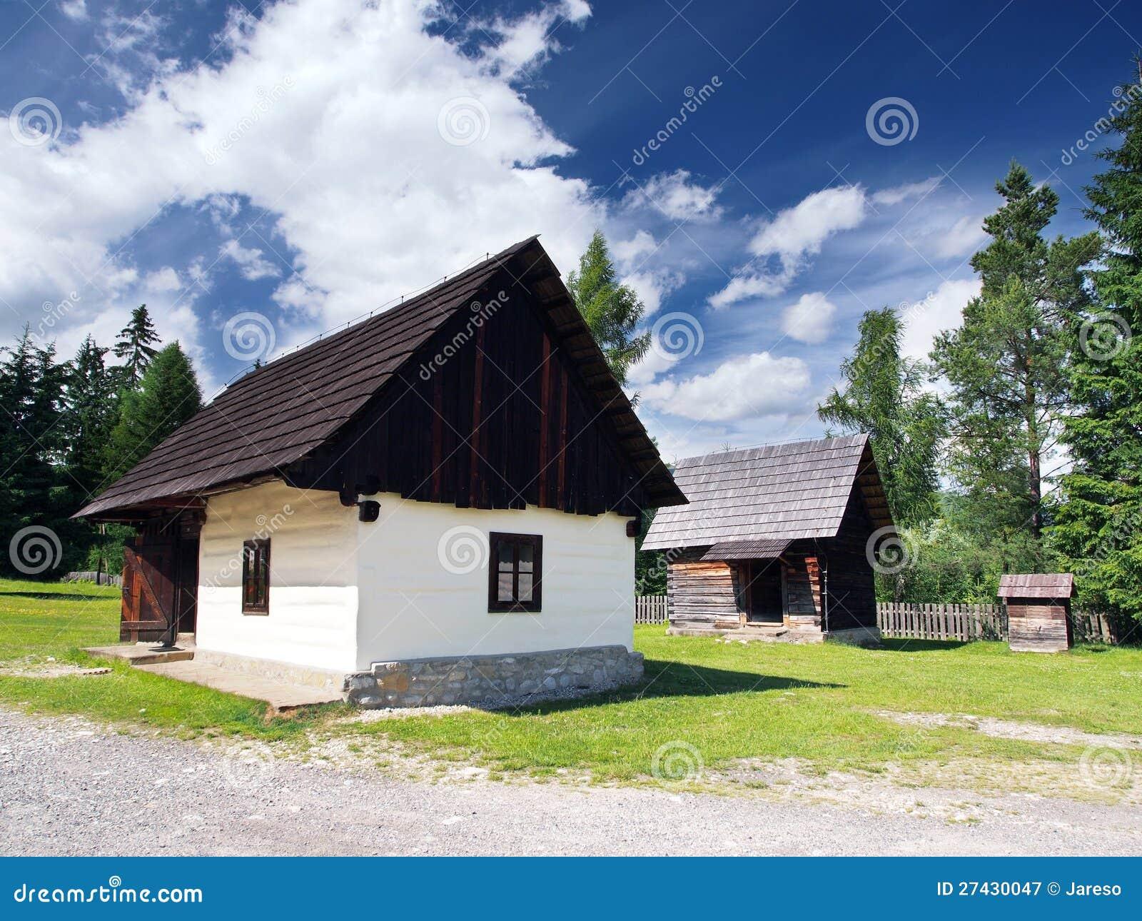 Zeldzame houten volkshuizen in Pribylina