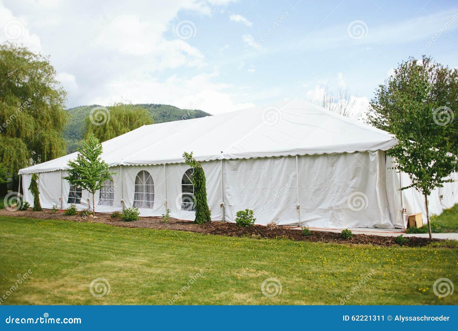 Zelt Hochzeit Im Freien Mit Bergen Stockbild Bild Von Aufnahme