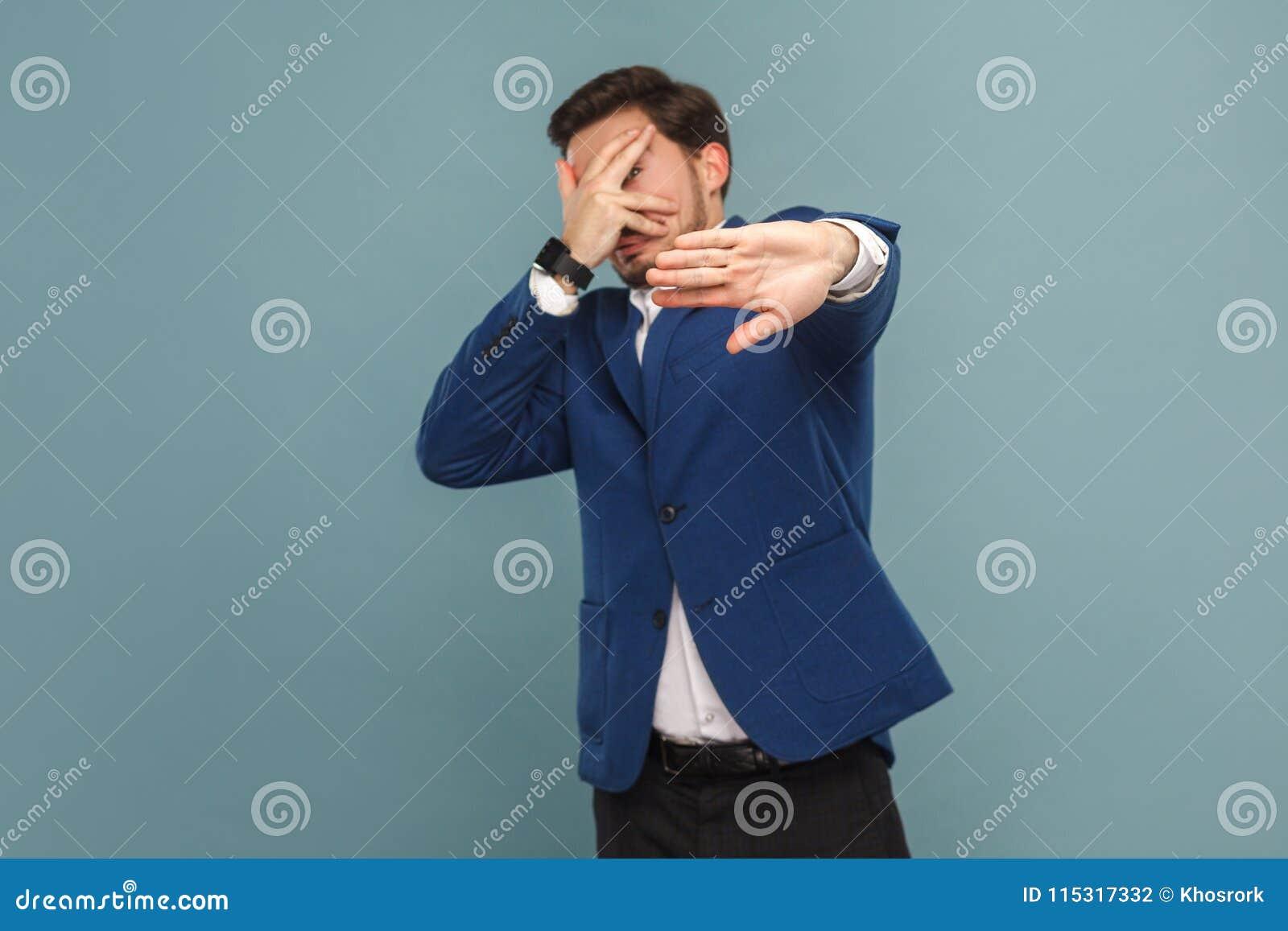 Zenuwachtige doen schrikken zakenman en paniek