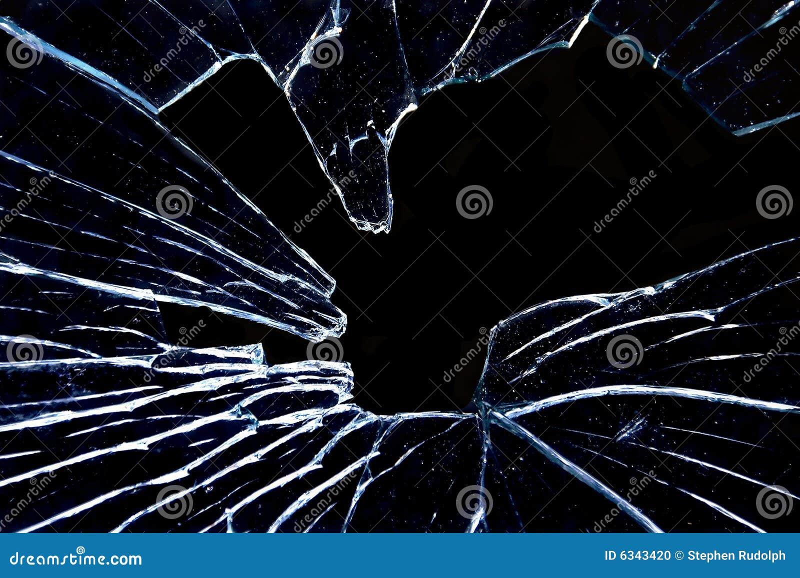 zerbrochenes glas auf strahlenschwarzem stockfoto bild von feld au en 6343420. Black Bedroom Furniture Sets. Home Design Ideas