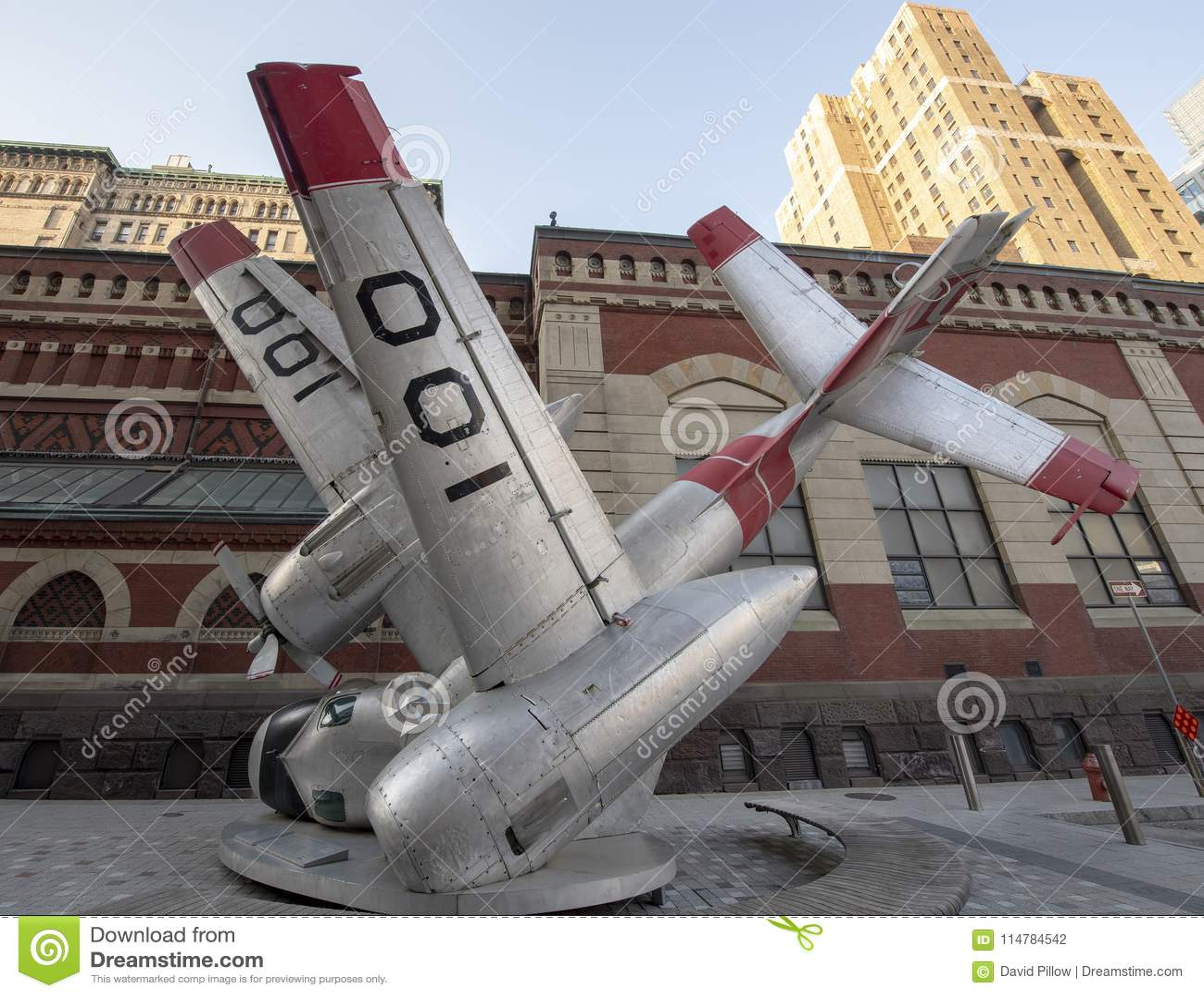 Zerschmettertes Flugzeug, Straßenkunst durch Jordan Griska, Philadelphia