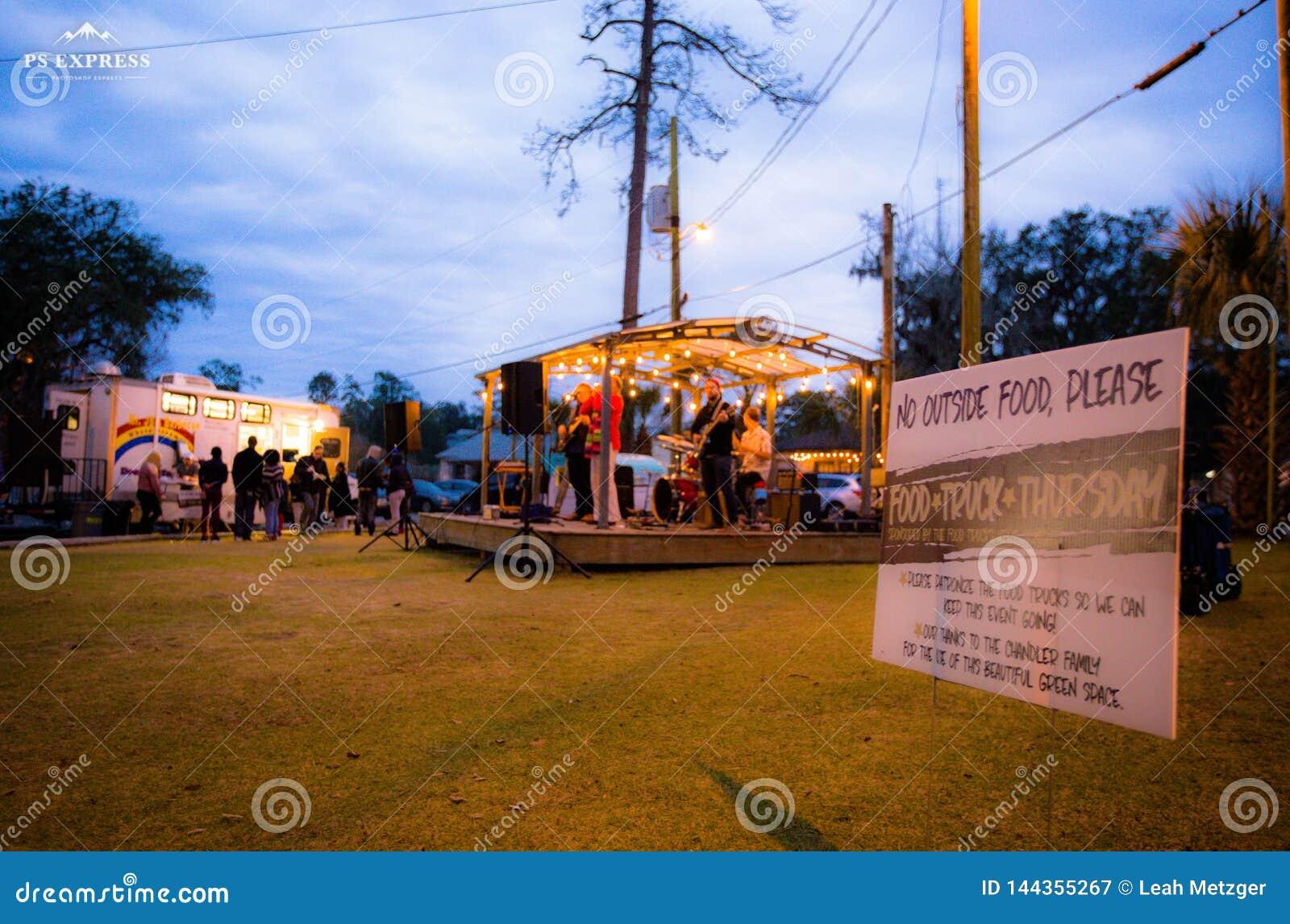 Zespół noc, ciężarowy festiwal Tallahassee Florida