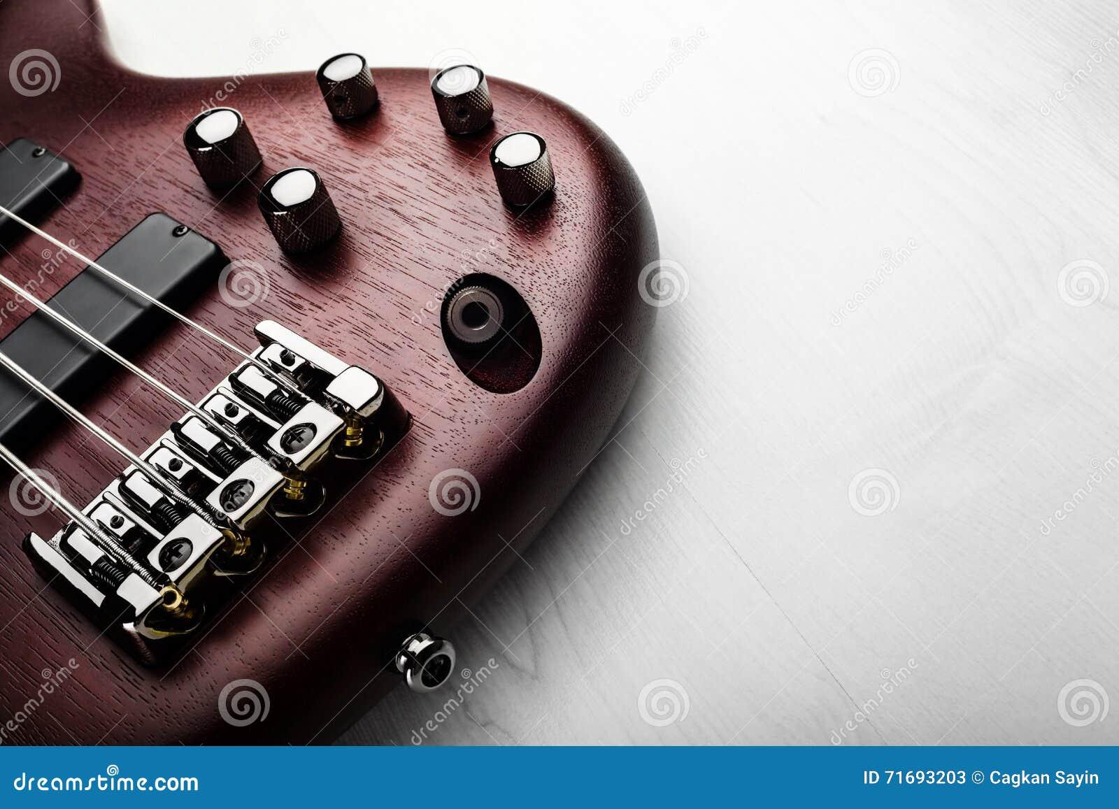 2011 zespołu basowej Dubai festiwalu szarej gitary międzynarodowy jazzowy macy spełnianie