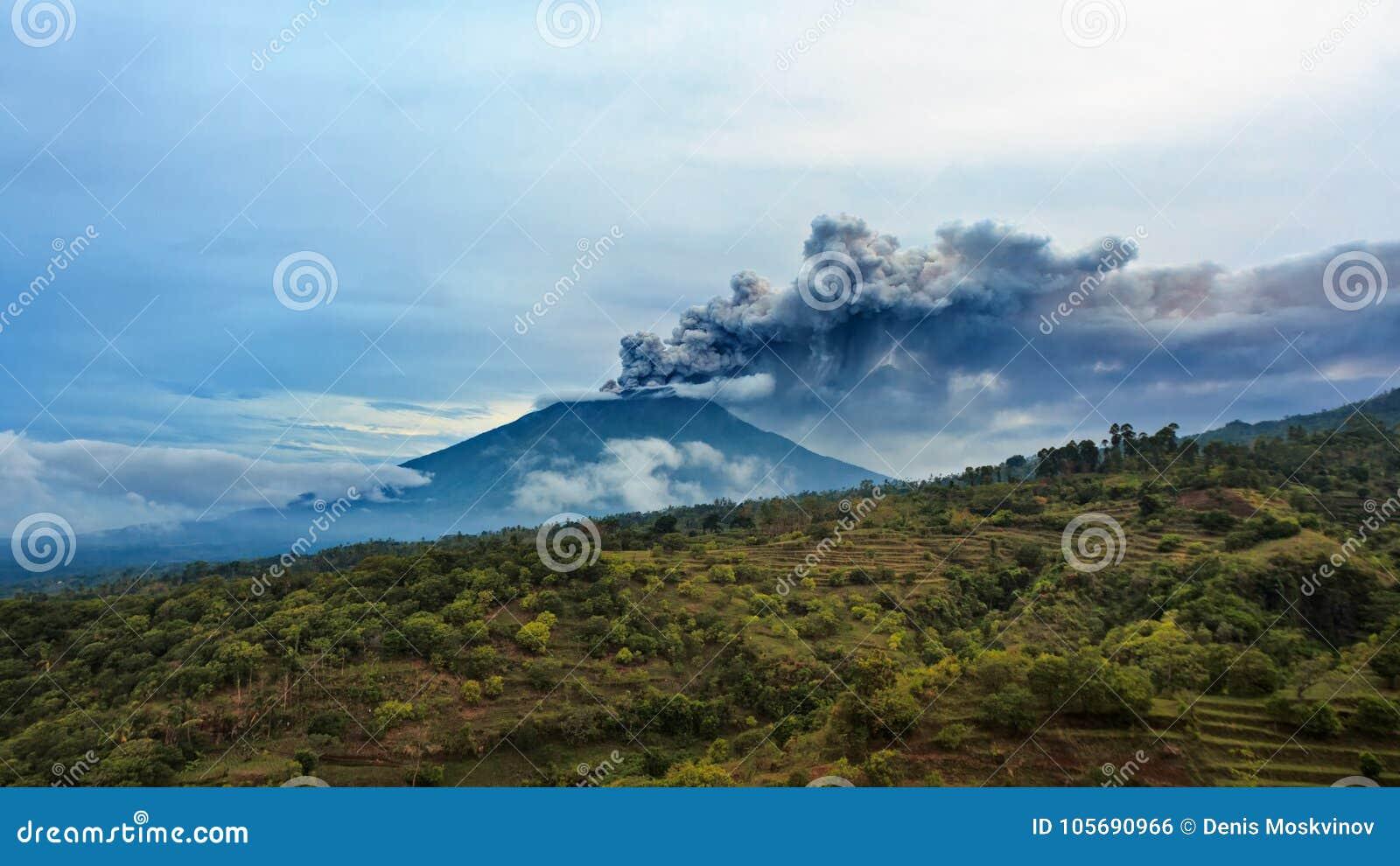 Zet Agung-vulkaanuitbarsting op Bali - Indonesië, 28 November 2017