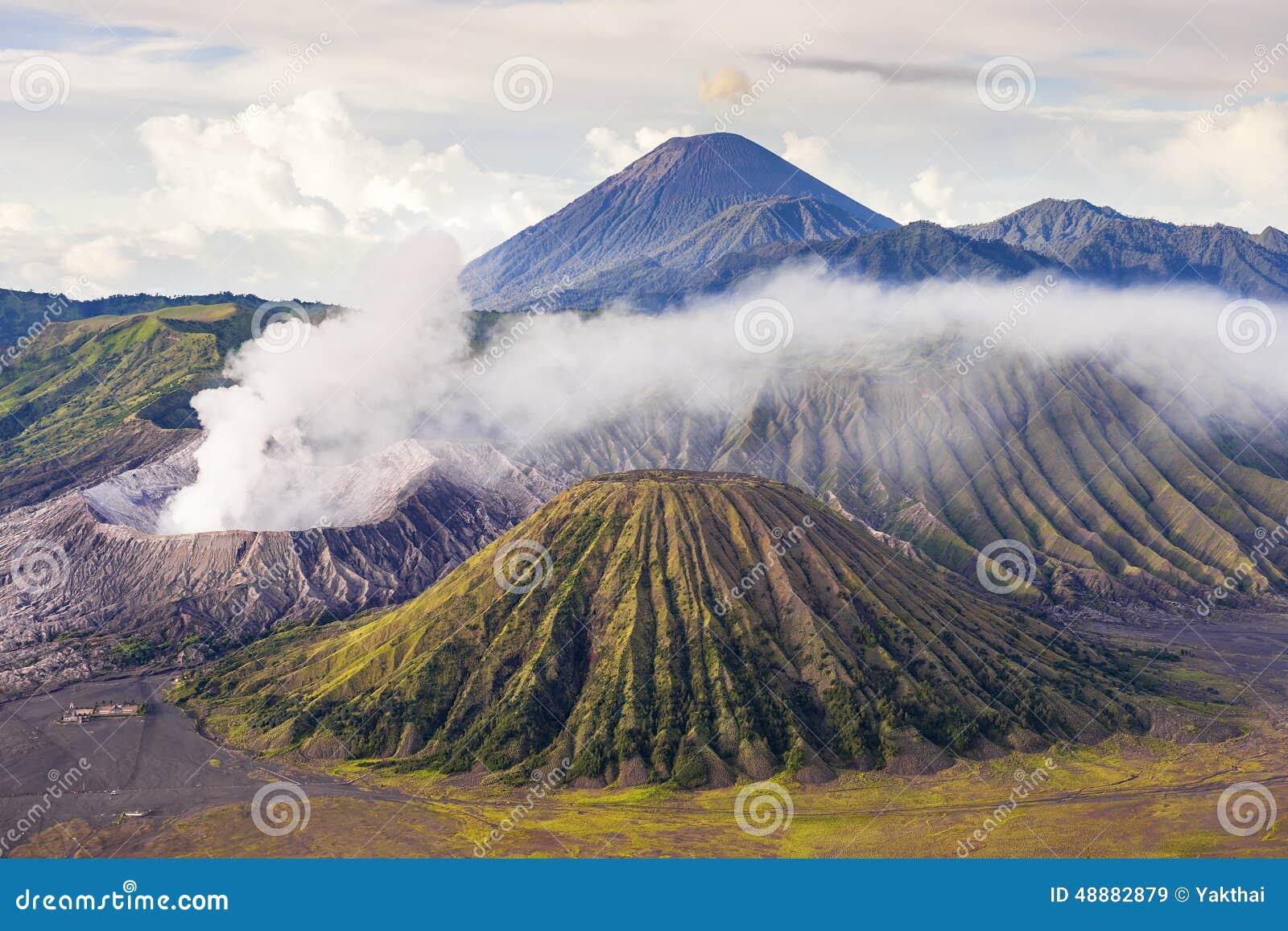 Zet de vulkaan van bromo batok semeru op, zet Java Indonesië bromo op
