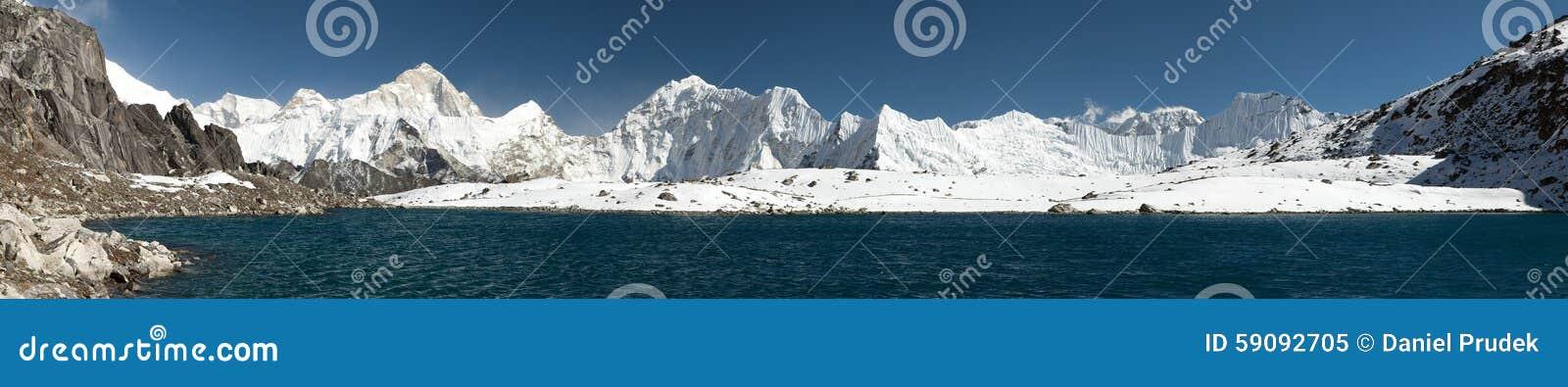 Zet Makalu boven meer dichtbij Kongma-de pas van La op