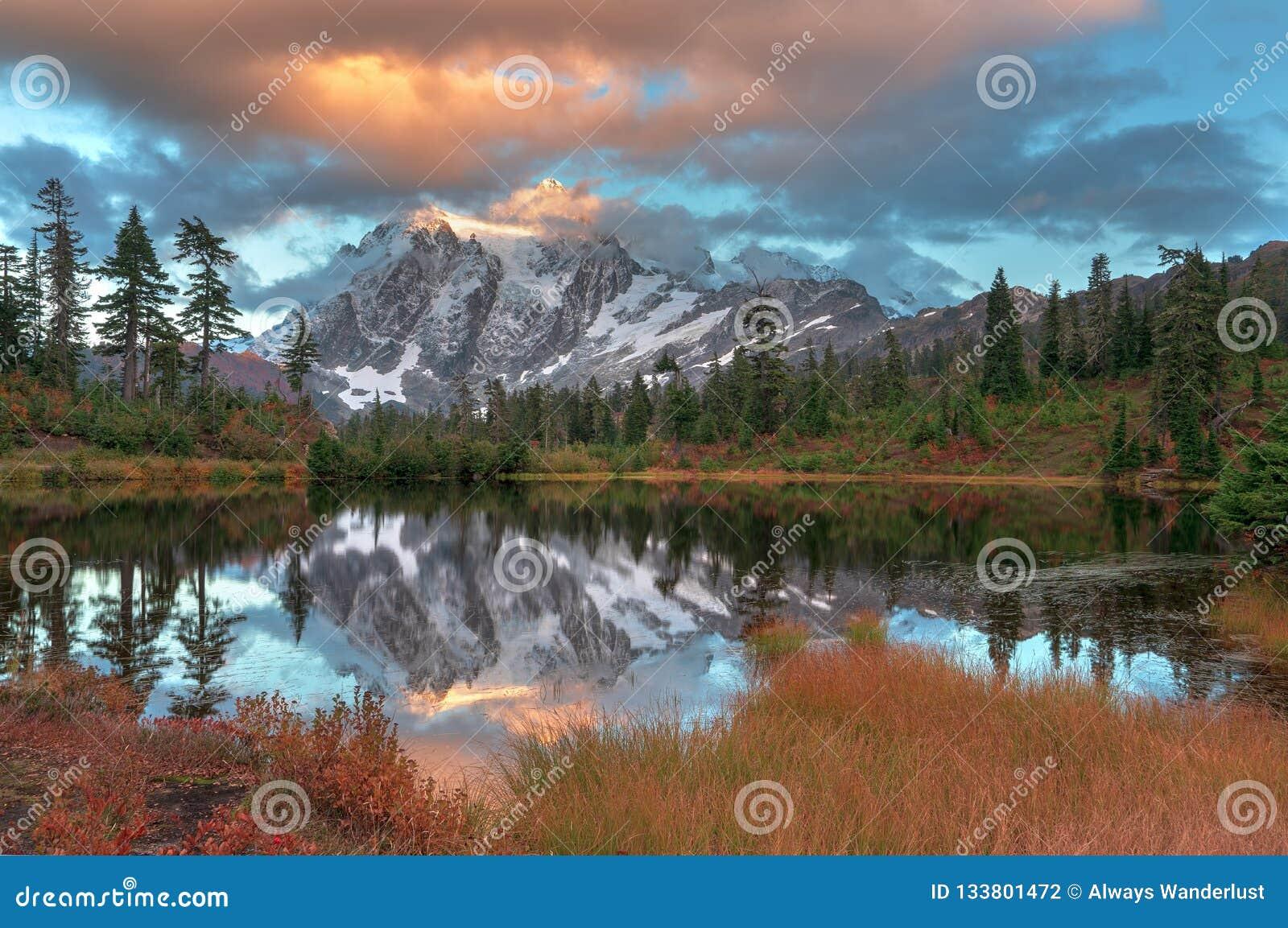 Zet Shuksan en Beeldmeer in Baker Wilderness op