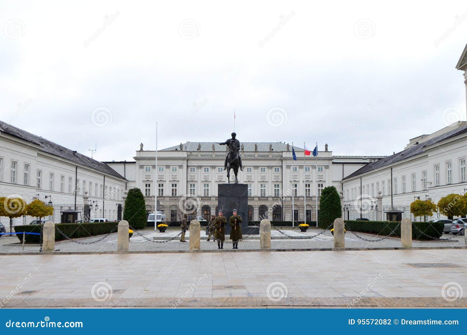 Zewnętrznie widok Prezydencki pałac w Warszawa, Polska