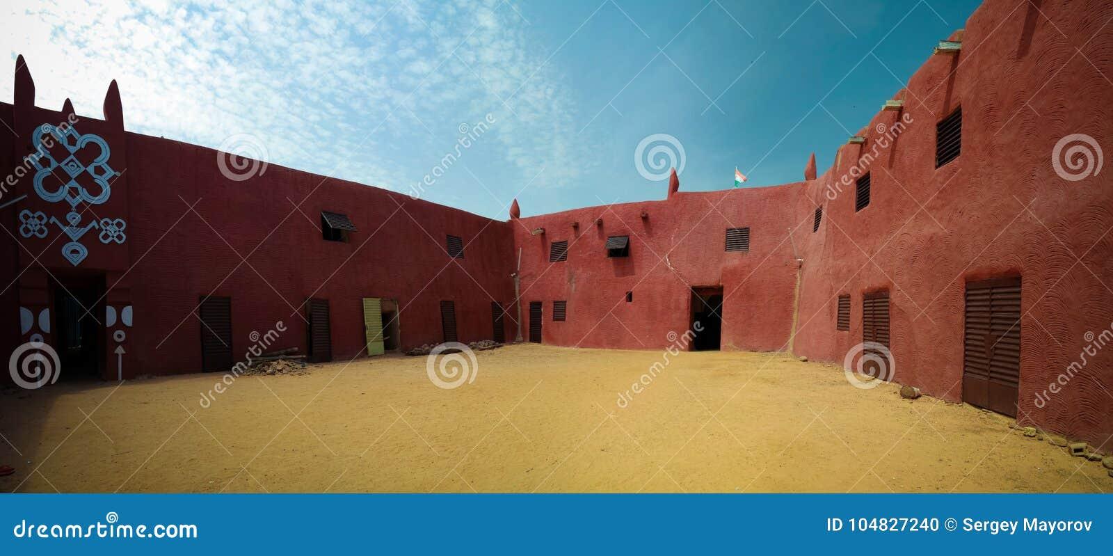 Zewnętrzny widok Damagaram sułtanu siedziba, Zinder, Niger