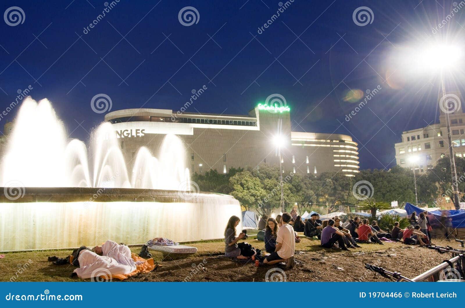 Zgromadzenie Barcelona fontanny ludzie